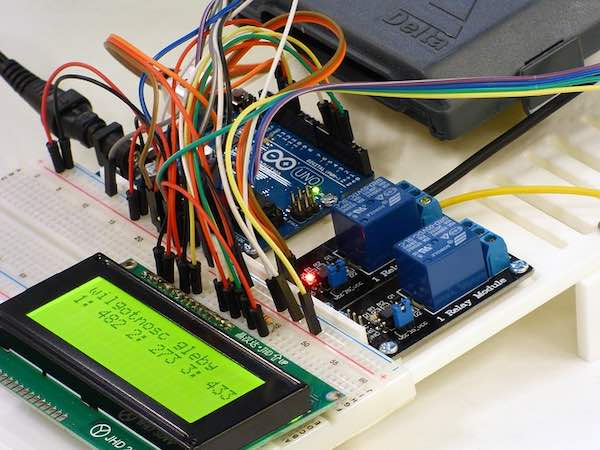 An embedded system that includes an Arduino board and a liquid crystal display